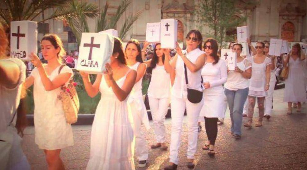 Chile: Mujeres rogarán por la vida en Plaza San Pedro antes de encuentro de Bachelet con el Papa