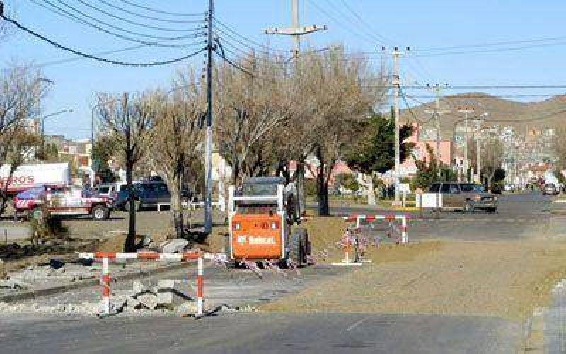 Reparan pavimento y colocar�n nomencladores en calles de Caleta