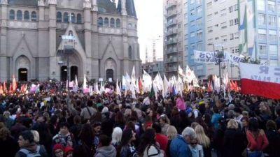 Miles de marplatenses participaron de la histórica marcha #NiUnaMenos