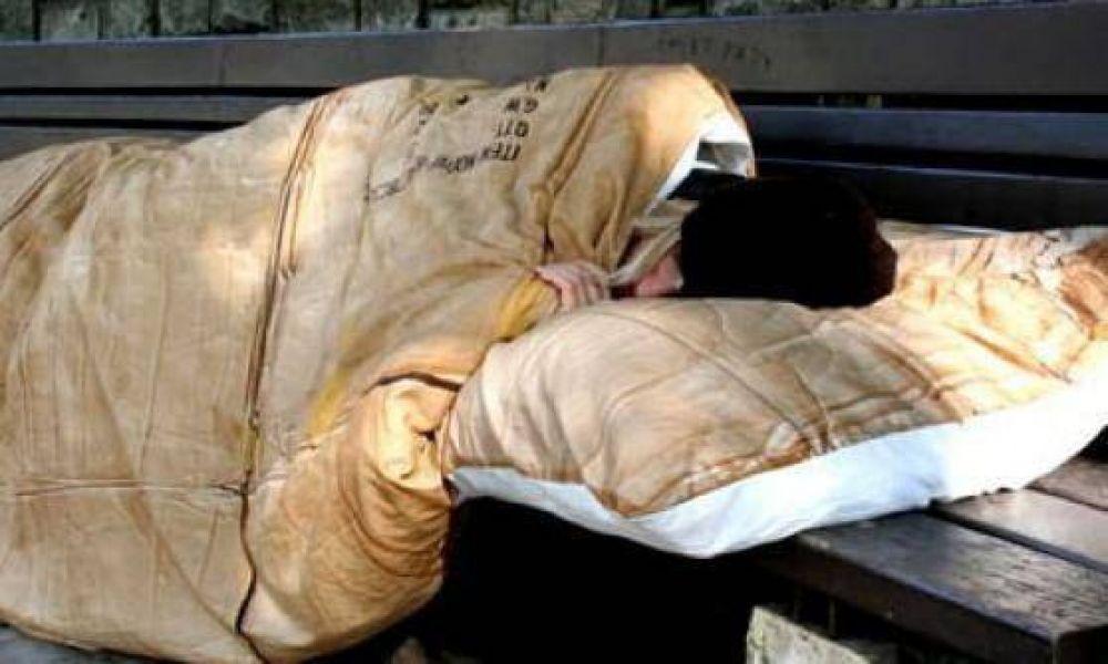 El Papa paga a un grupo de pobres el viaje para ver la Síndone