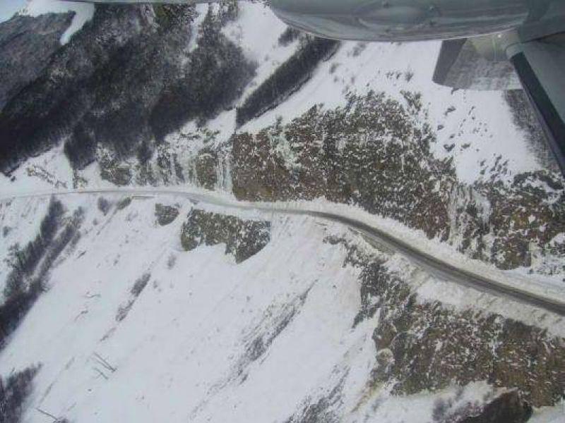 Autoridades sobrevolaron la ruta 3 para analizar efectos del temporal de nieve