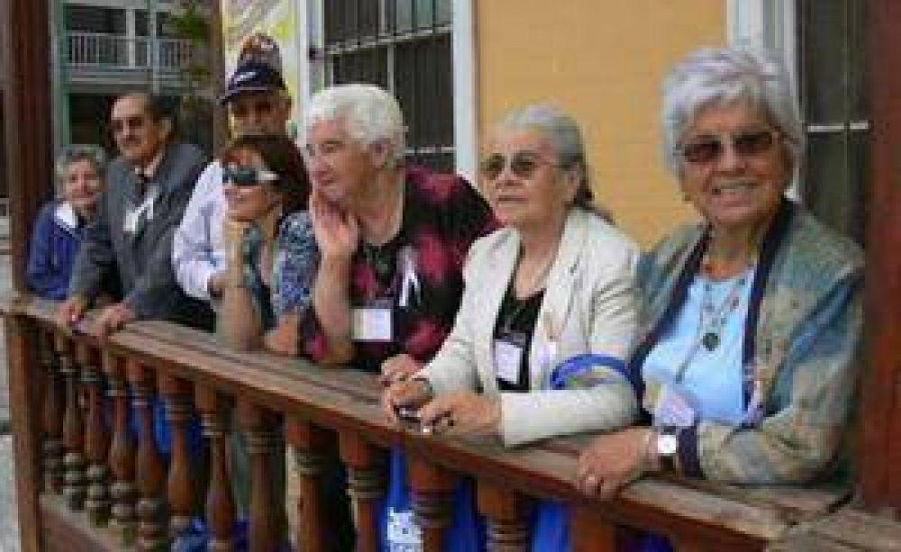 Caritas de Chile fortalecerá su programa del adulto mayor