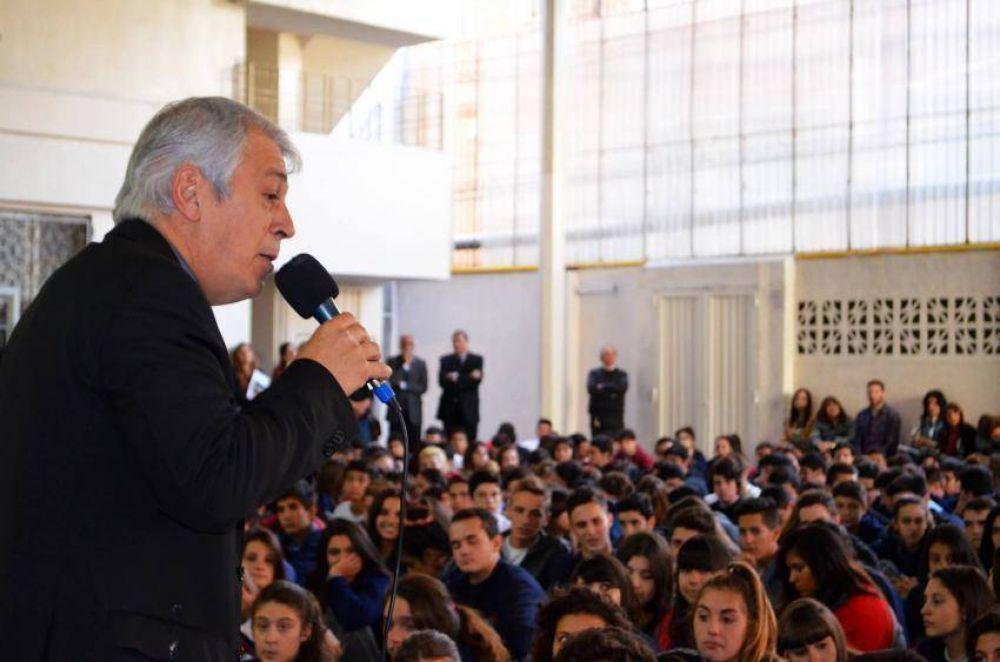 """Mons. García a los jóvenes: """"Hay que hacer visible la unidad"""""""