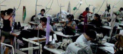 La Defensoría busca crear un registro de talleres textiles
