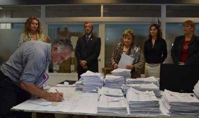 El Tribunal Electoral presentó los números definitivos del escrutinio de las PASO
