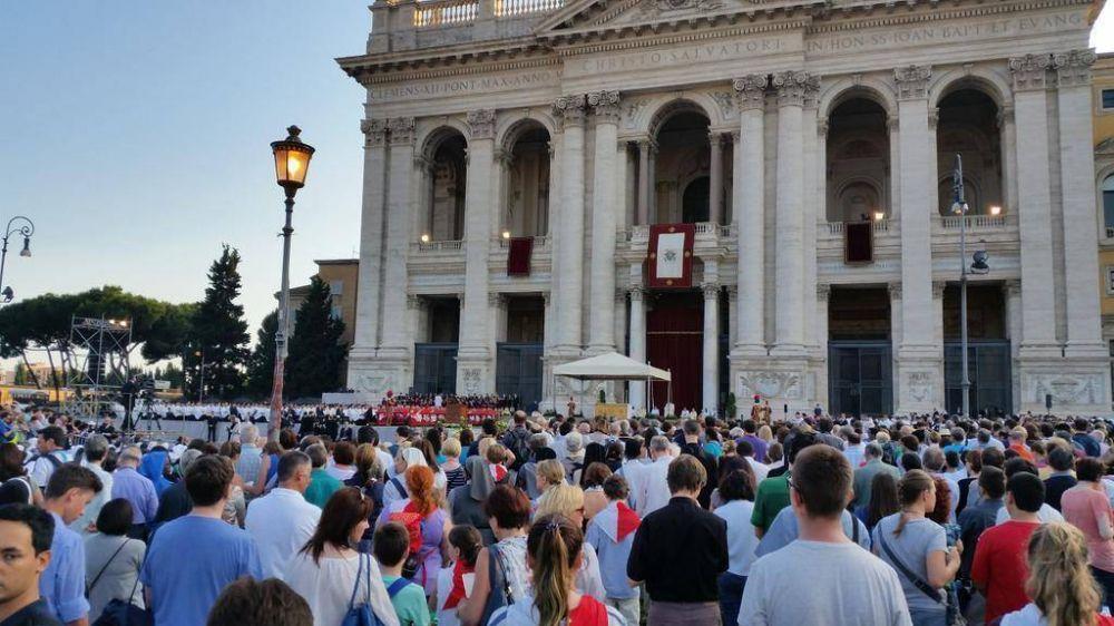 Papa en Corpus Christi: Eucaristía no es premio para buenos sino fuerza para débiles