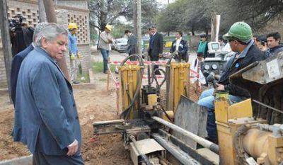 La Municipalidad Capital sigue extendiendo la red de gas en la ciudad