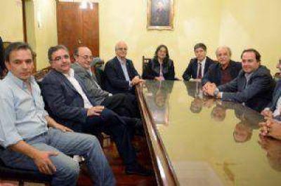 Dirigentes políticos visitaron a la Gobernadora