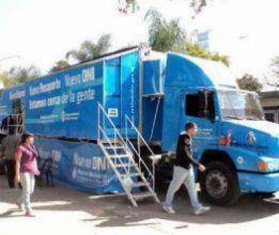 El camión del DNI va cumpliendo su estadía