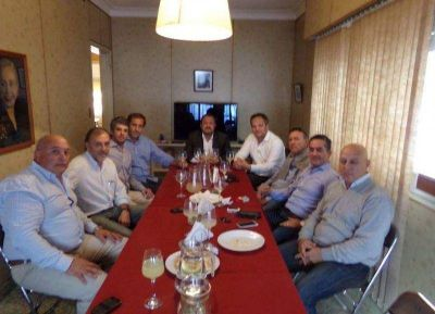 Distintos sectores políticos de La Plata aúnan esfuerzos para ganarle a Bruera