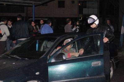 """El """"Sheriff"""" Iriart encabezó operativo de control vehicular en la zona del Centenario"""