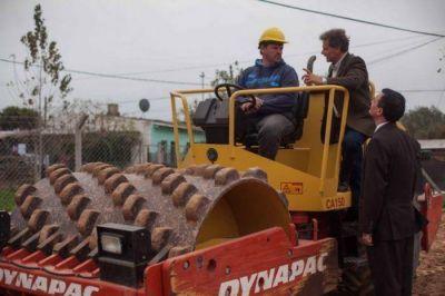 Pulti recorrió las obras del nuevo Centro de Salud de 24 horas de Batán