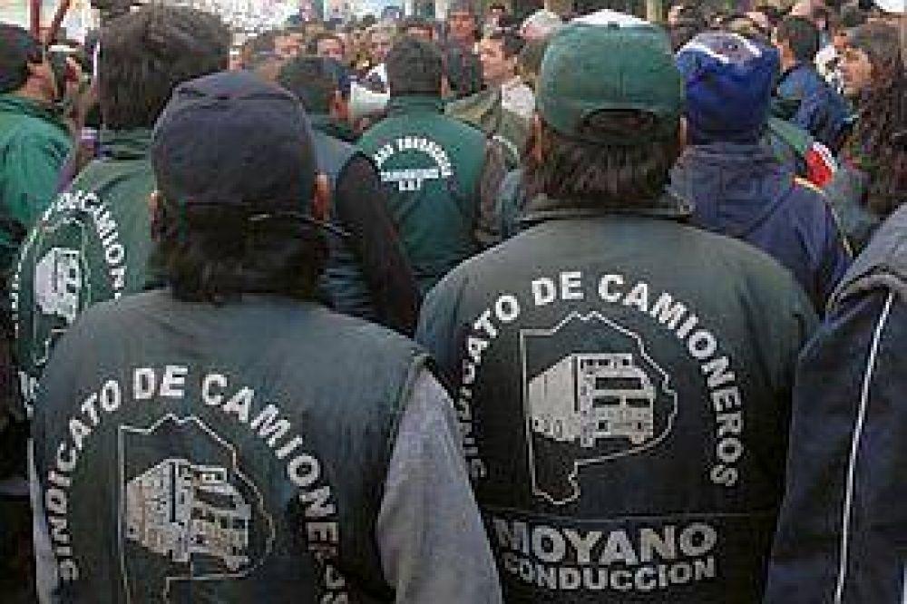 Empresarios de transporte a Moyano:
