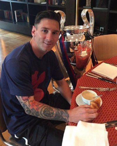 Lionel Messi desayun� con una compa��a de lujo