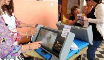 Laborda presentará amparo para que no se use el voto electrónico el 4 de octubre