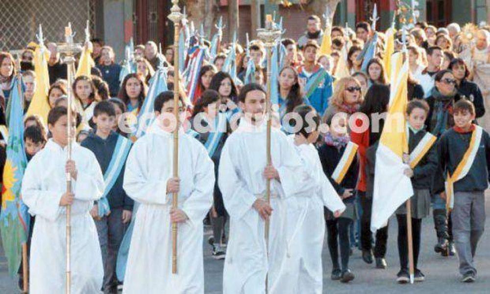 Con muchos fieles se conmemoró el Corpus Christi en la tarde de ayer