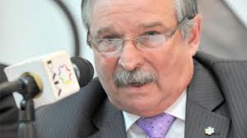 El presidente de la DAIA fue internado por una descompensación
