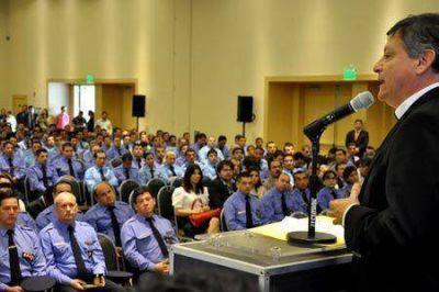 """Peppo se comprometió a continuar el fortalecimiento de """"una seguridad democrática"""""""