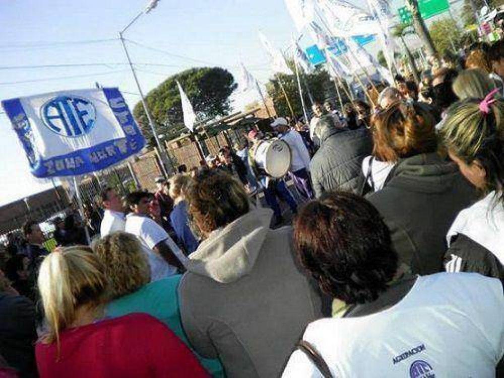Paro y movilización de ATE Zona Norte frente al hospital de Tigre