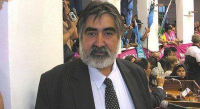 Fernández ratificó su apoyo a Regueiro
