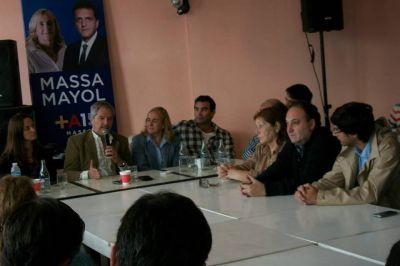 Reunión seccional del Frente Renovador