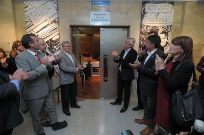 La sala de prensa de la Casa de Gobierno lleva desde hoy el nombre de Susana Fernández