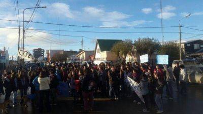 Estudiantes marcharon al ministerio de Educación reclamando por problemas edilicios
