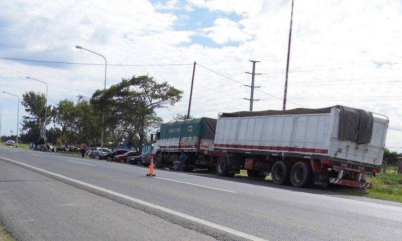 Piquete impidió paso de camión que llevaba ayuda a damnificados