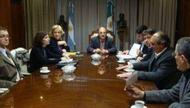 Sin Capitanich, Bacileff Ivanoff encabezó una reunión de gabinete