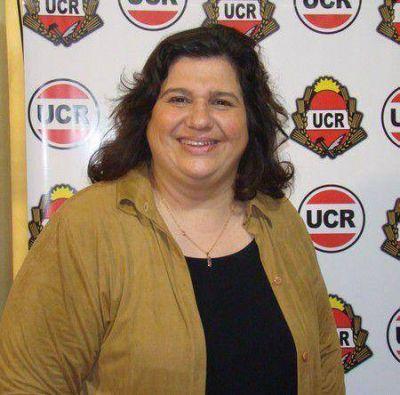 Claudia Rocha lanza su precandidatura a intendente