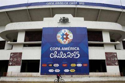 Empieza una Copa América tensa por el FIFA Gate y el malestar social