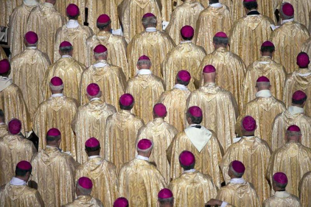 Pederastia; el Papa: los obispos negligentes serán juzgados en el Vaticano
