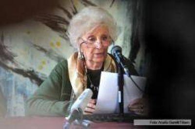 La Universidad de Rosario distingue a Estela de Carlotto como