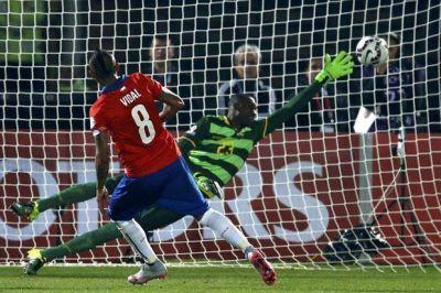En su Copa América, Chile pudo festejar en el debut: 2 a 0 ante Ecuador