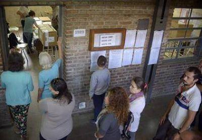 Más de 2,5 millones de santafesinos están en condiciones hoy de volver a las urnas