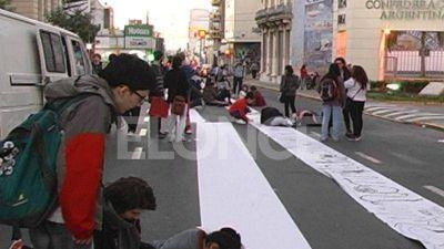 Estudiantes marcharán una vez más para reclamar por el edificio de la Uader