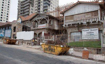 """Levantan torre en el medio del Conjunto Patrimonial """"11 de Septiembre"""""""