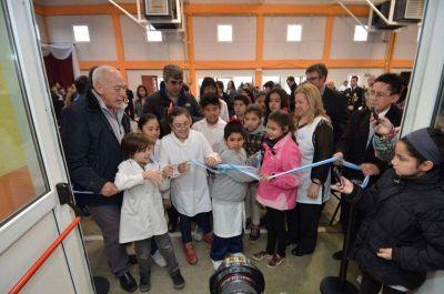 """Gobierno inauguró la Escuela N° 44 """"Valientes de Malvinas"""""""