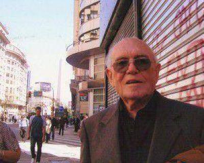 Emotivo recuerdo del Concejo a Roberto Vecchi