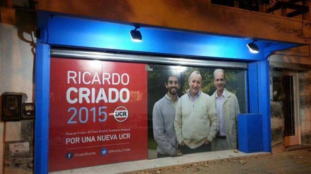 Ricardo Criado ya abrió el local y no hay clima de unidad