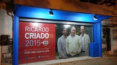 Ricardo Criado ya abri� el local y no hay clima de unidad
