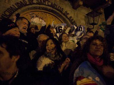 Festejaron el triunfo de Weretilneck en el Centro Cívico