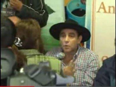 Conferencia de prensa del Chaqueño Palavecino terminó en escándalo