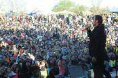 La Plata: Ante una multitud, Luciano Pereyra cerró los festejos por el 92º aniversario de Gorina