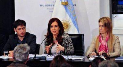 Insfrán junto a la presidenta en el anuncio de importantes emprendimientos industriales