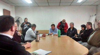 Weretilneck se reunió en Allen con referentes de la Federación y las Cámaras de Productores