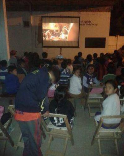 El Cine Móvil estuvo de recorrida por La Banda