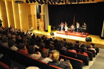 El �rea de Juventud de AMIA particip� de un concierto interreligioso y solidario