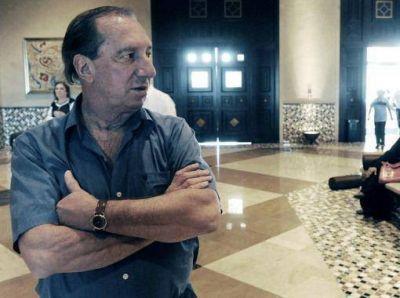 Bilardo conf�a en el ataque argentino y critica c�mo se festejan los goles