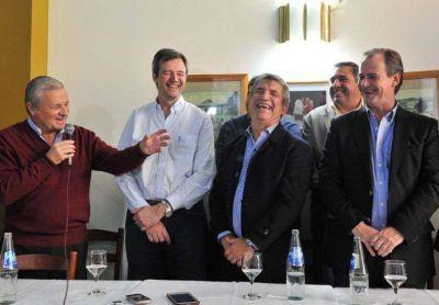 El oficialismo presentó listas de consenso en cuatro departamentos
